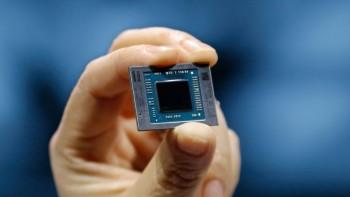 APU AMD Ryzen 7 4700G được ép xung lên 4,8 GHz trên tất cả 8 nhân, DDR4-4400 & 2200 MHz FCLK cũng đạt được trên nền tảng B550.