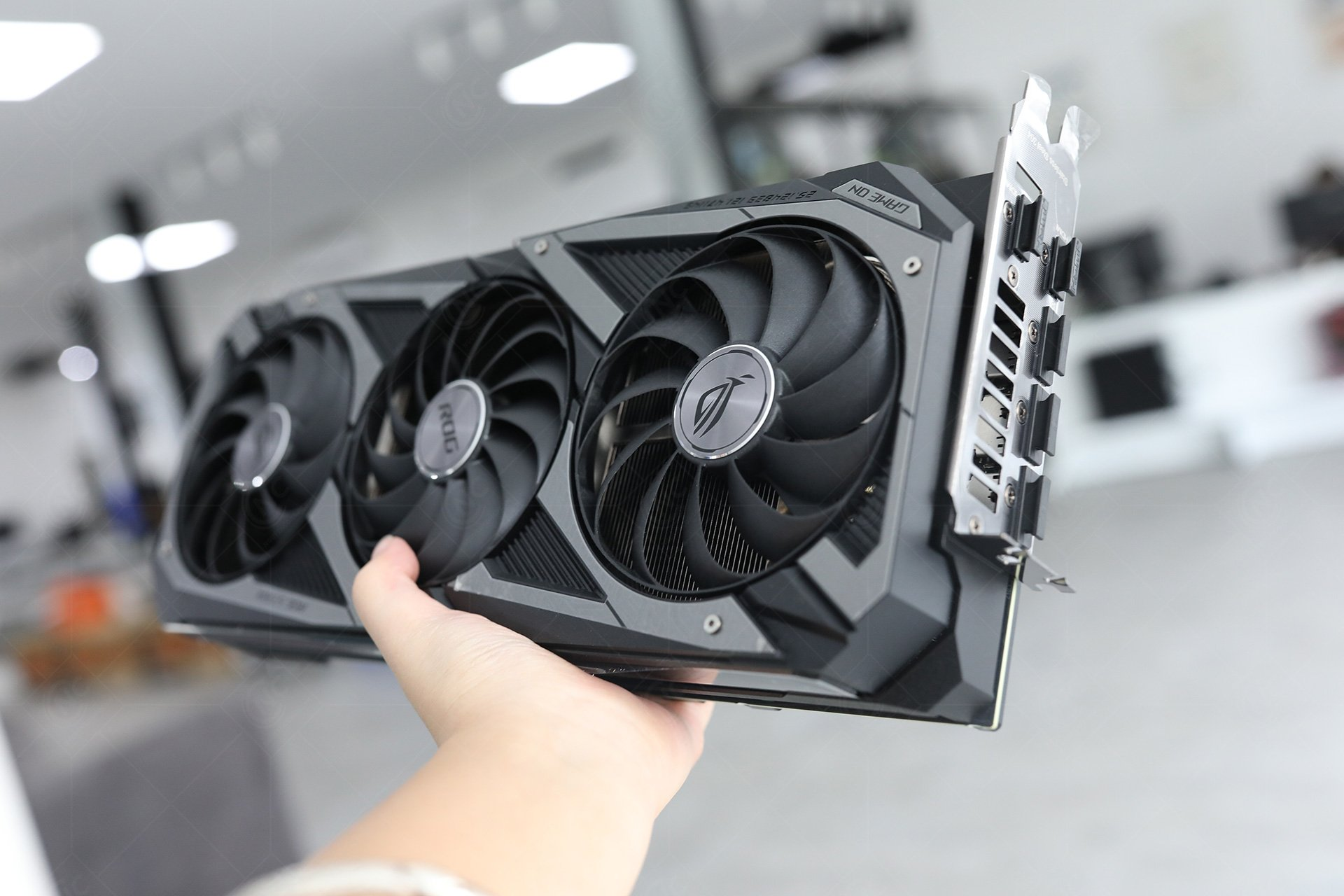 ASUS ROG STRIX GeForce RTX 3080 Ti OC