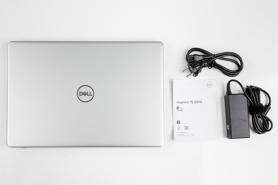 Laptop Dell N5593 P90F002N93A
