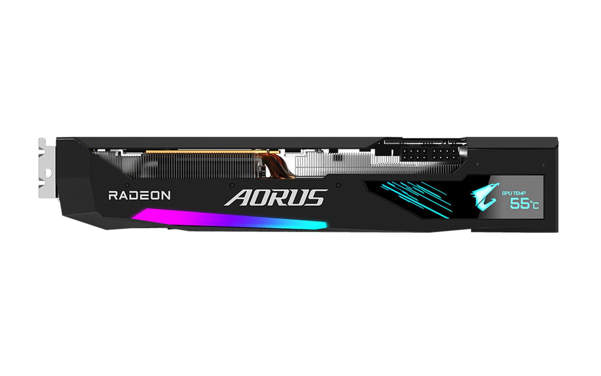Một màn hình LCD mạnh mẽ được nhúng vào mặt bên của cạc đồ họa Gigabyte AORUS Radeon RX 6800 XT MASTER 16G