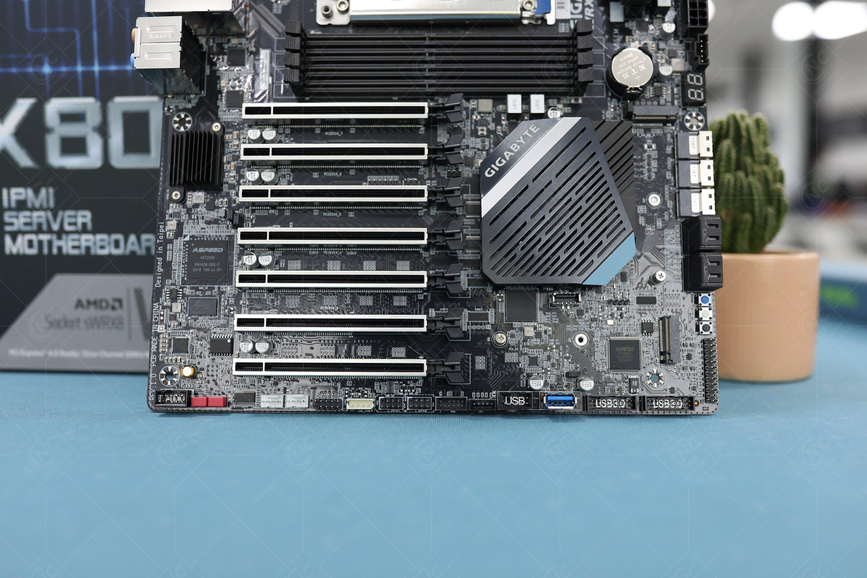 Thiết kế PCIe 4.0 WRX80 SU8 IPMI