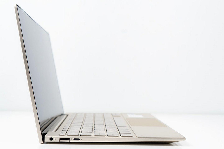 Laptop HP Envy 13-ba1027TU 2K0B1PA Bản lề bàn phím có thể nâng lên