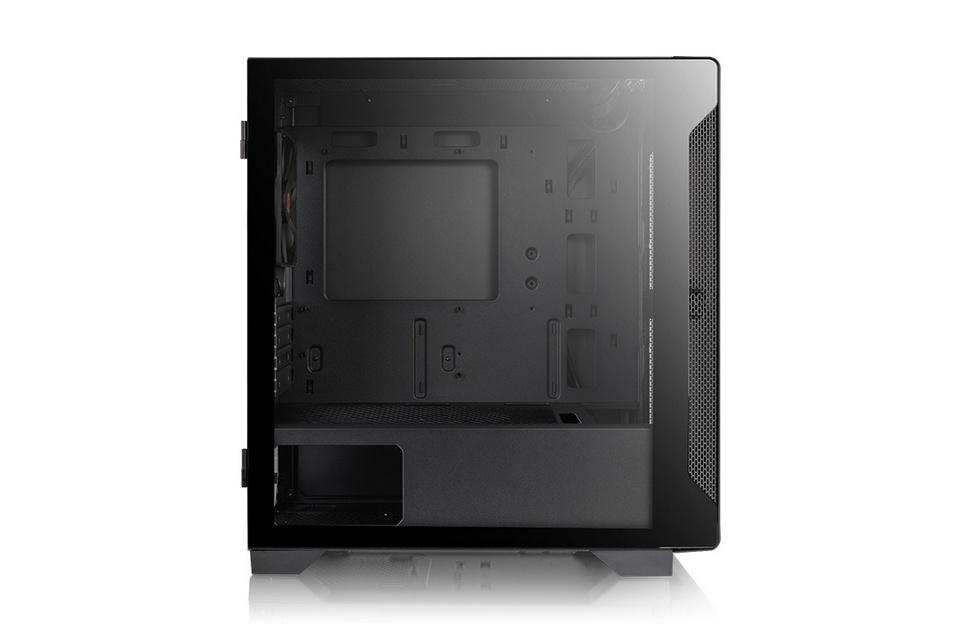 Cửa sổ kính cường lực 3mm ở mặt bên của Thermaltake S100 TG