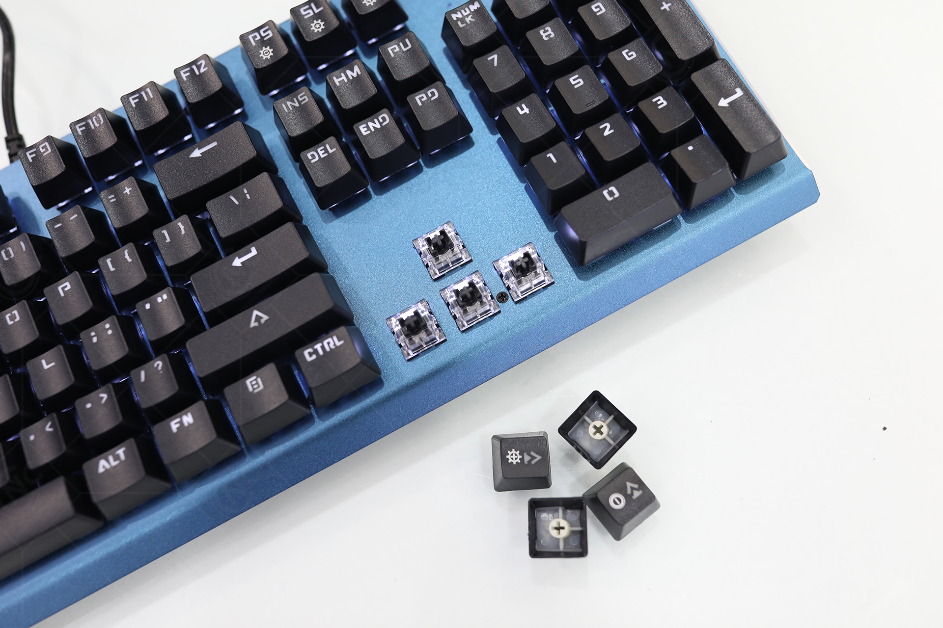ban-phim-motospeed-ck108-blue-led-white-6
