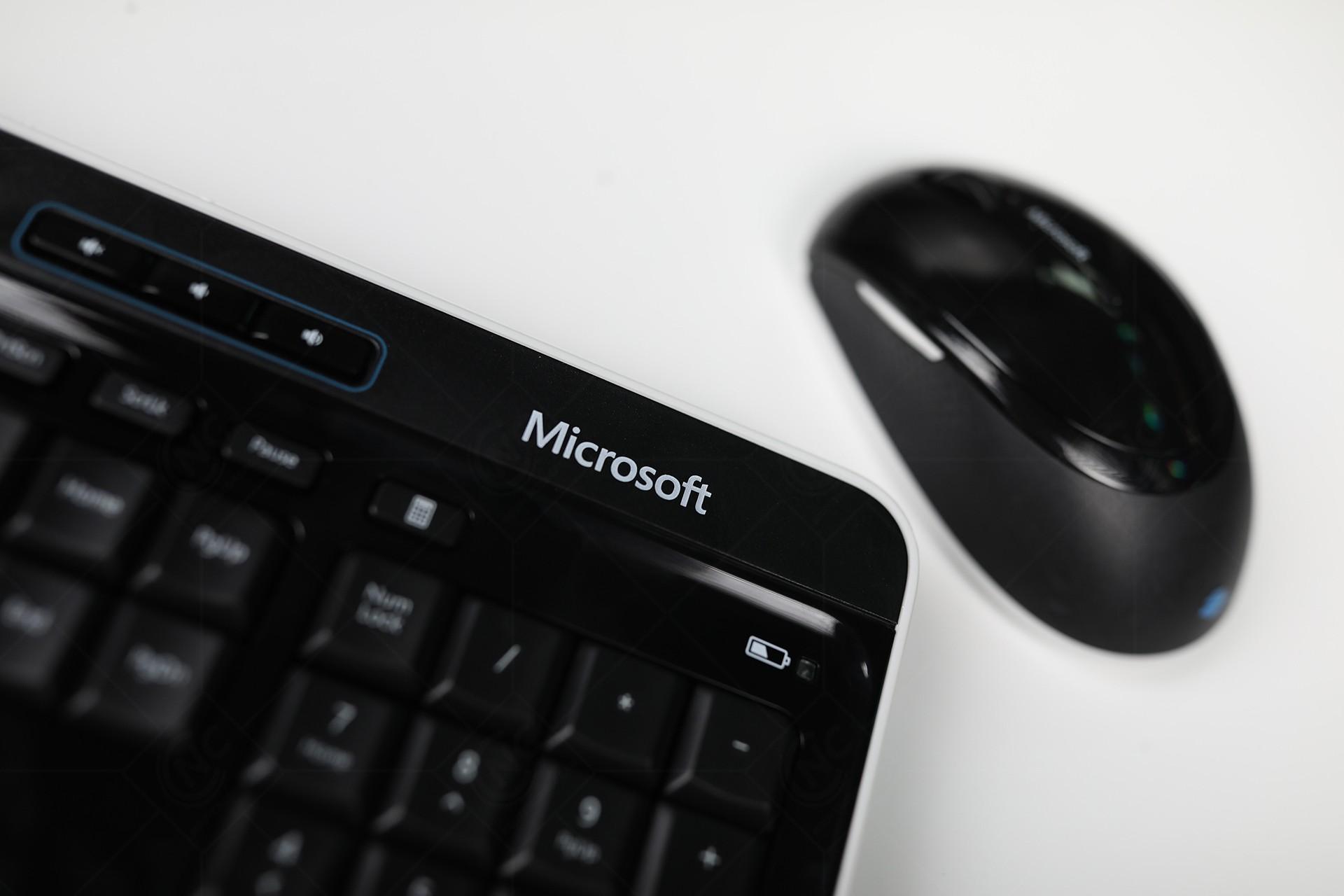 bo-ban-phim-chuot-microsoft-wireless-desktop-3050-pp3-00024-2