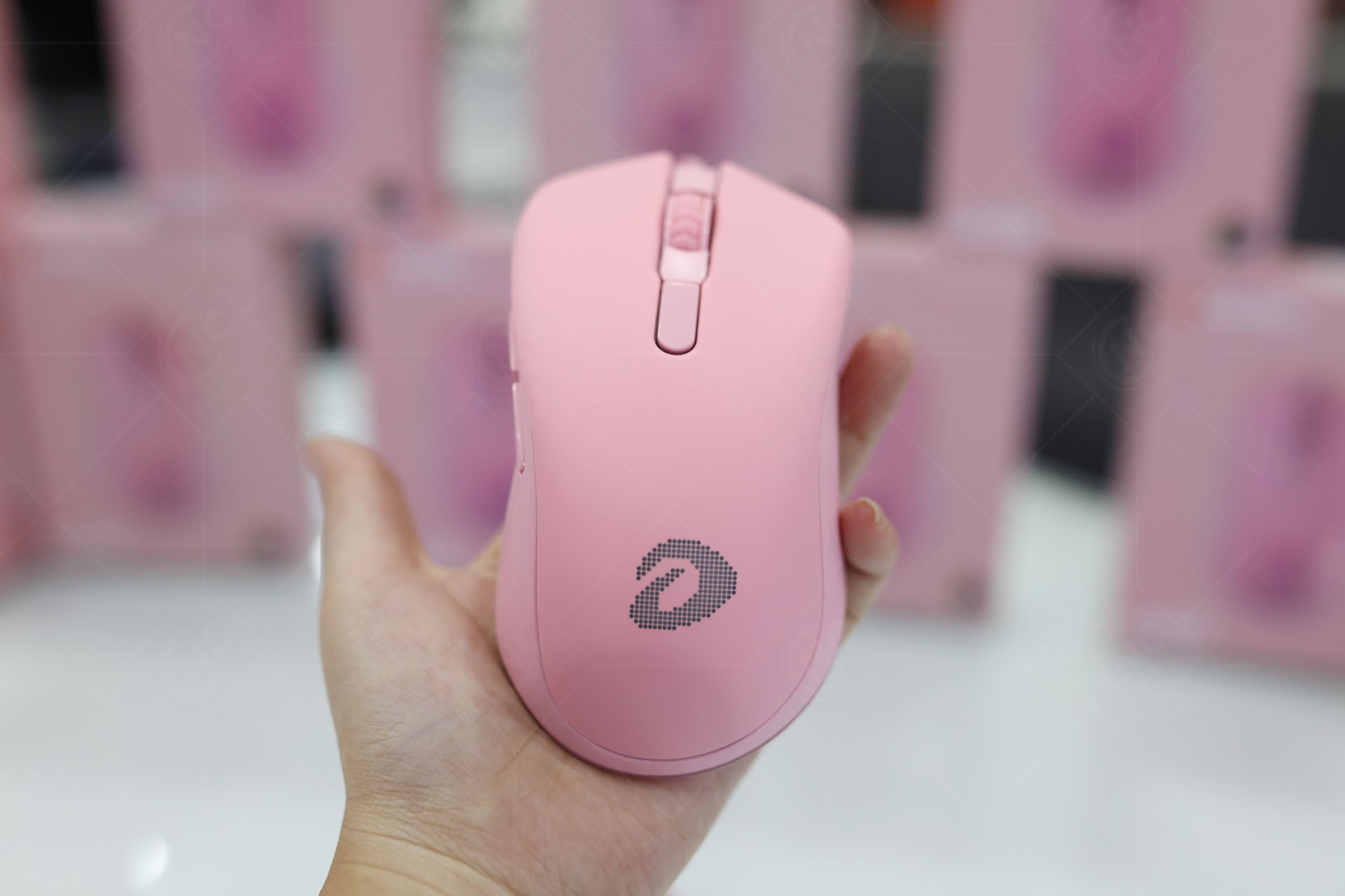 chuot-gaming-dareu-victor-em908-pink-queen-rgb-nc1