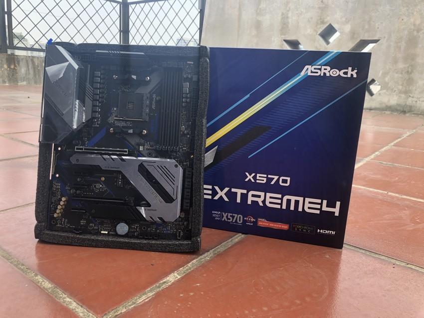 x570 extreme4 full box