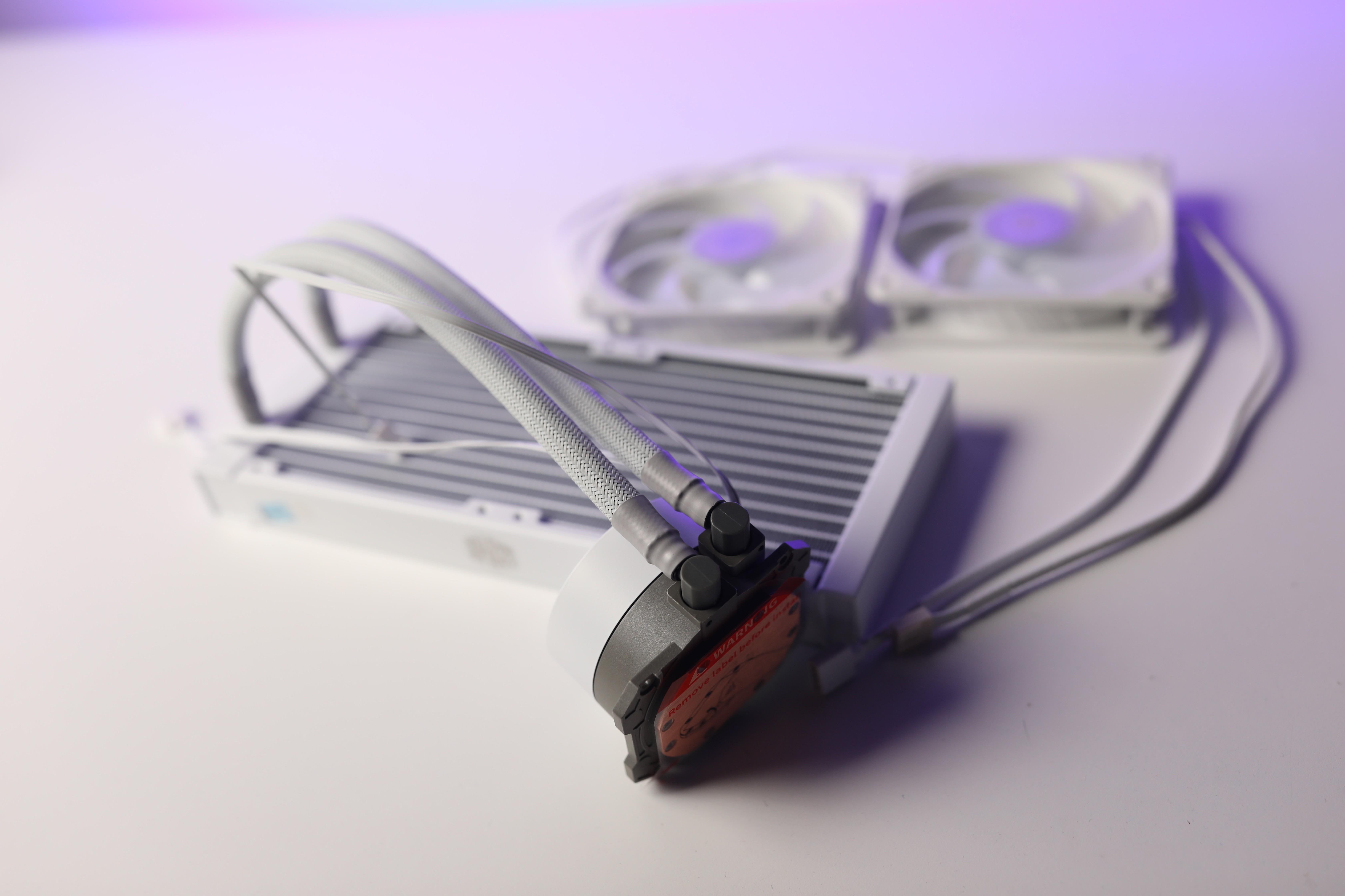 tan-nhiet-nuoc-aio-cooler-master-masterliquid-ml240l-v2-rgb-white-edition